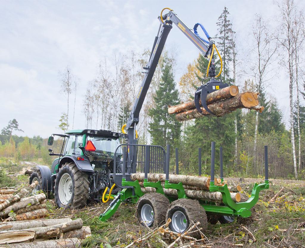 Traktorová vyvážačka dreva