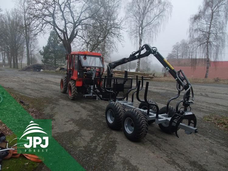 Kompaktný vyvážečka Vahva Jussi 2000 + _400 a malotraktor