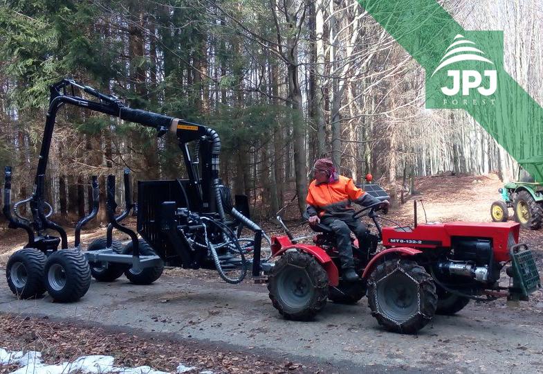 Stredne veľká vyvážečka Vahva Jussi 3000_420 a malotraktor MT8